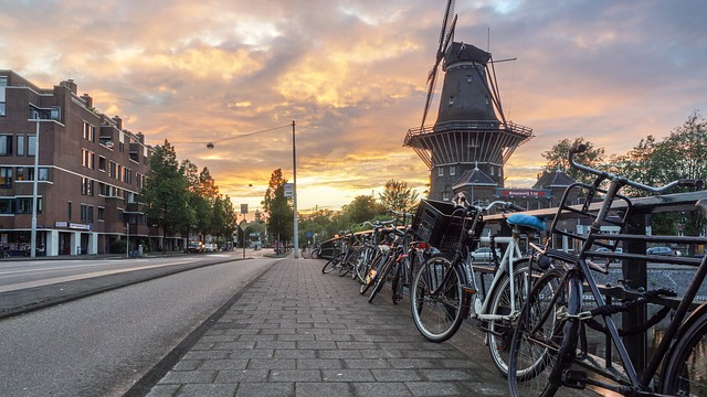 Amsterdam Cycling Tour in Holland